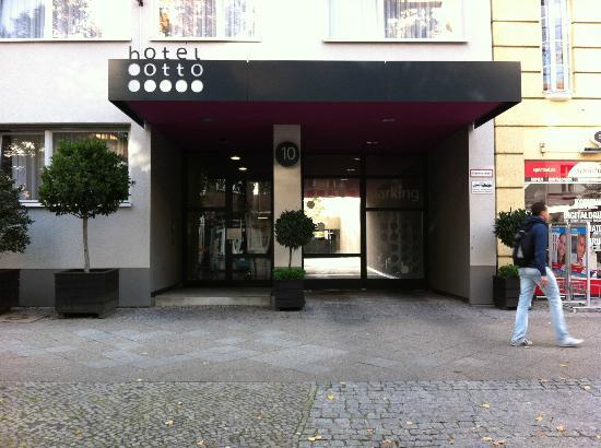 Hotel OTTO: Front entrance