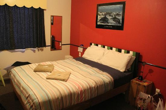Tasman Bay Backpackers : habitación