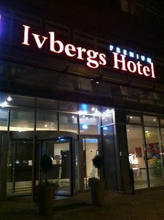 Ivbergs Premium: Front entrance