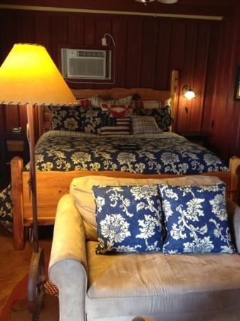 Chuckwagon Inn Bed & Breakfast: The Mustang