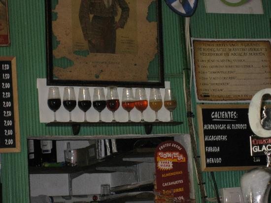 Tabanco El Pasaje: Choose your sherry - all available on draught