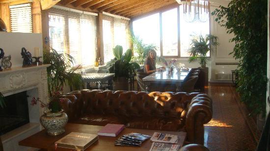 The House Hotel Galatasaray: Sala de comedor desayuno