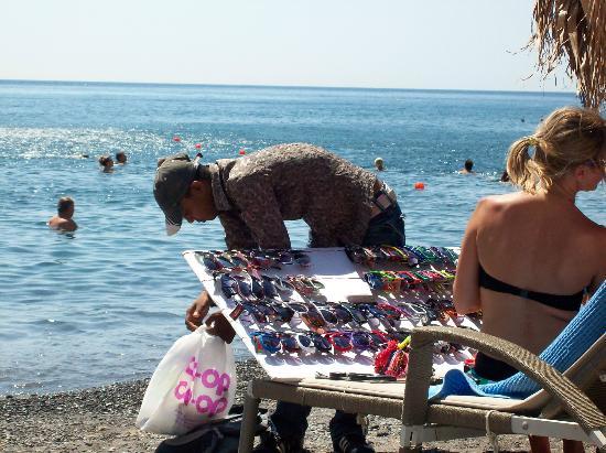 Perissa Beach: beach sellers