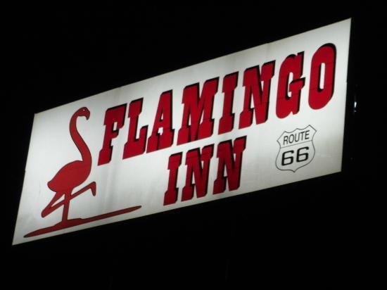 Flamingo Inn : sign