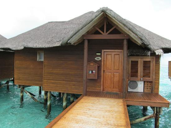 Fihalhohi Island Resort : Entrance to WB 140