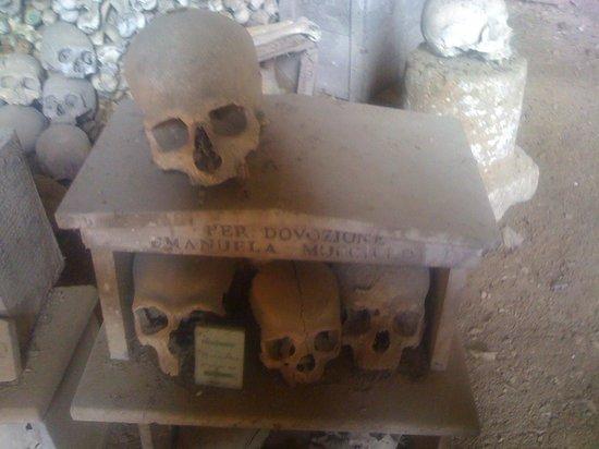 Cimitero delle Fontanelle: le capuzzelle