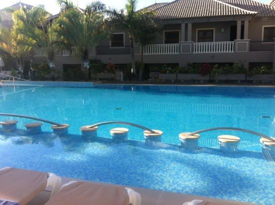 Marylanza Suites & Spa: main pool