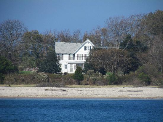 Cross Sound Ferry: Shoreside house on the North Fork of Long Island.