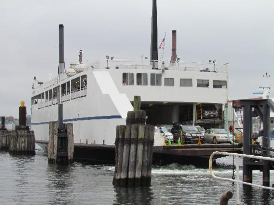 ‪‪Cross Sound Ferry‬: The ferry Susan Anne docking in New London.‬