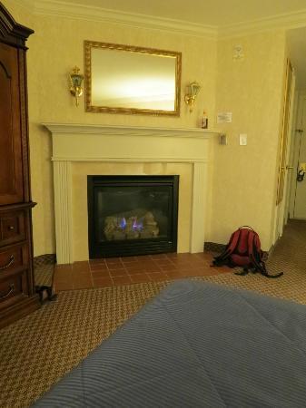 Nantasket Beach Resort: Foyer au gaz dans plusieurs chambres