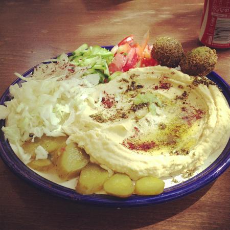 Bebo's Falafel Restaurant: Hummus plate