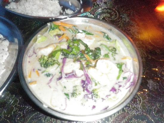 Om Cafe : A bad photo of a great thai red curry