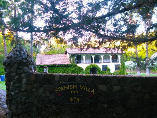 Spanish Villa Inn: A beautiful place