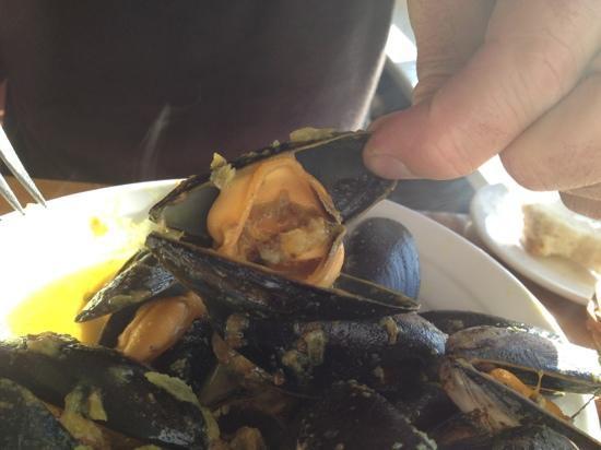 Riverside Restaurant: MONSTER mussels
