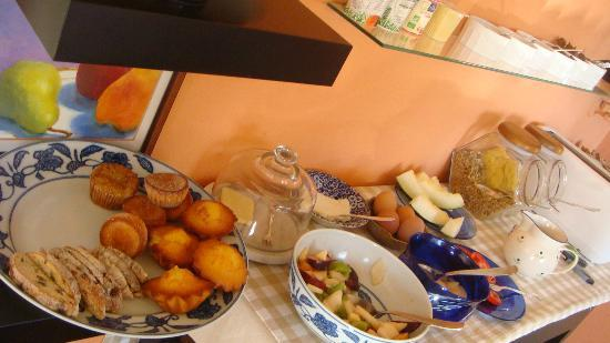 Quinta Colina Flora: Delicious breakfast buffet