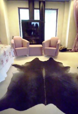Ioana Hotel: the room