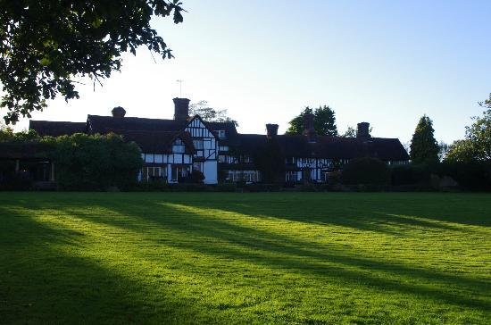 Ghyll Manor Hotel & Restaurant: the back of the hotel
