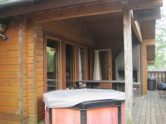 พอร์ทโซนาชัน โฮเต็ล แอนด์ ลอดจ์ ออน ลอชออว์: View of verandah