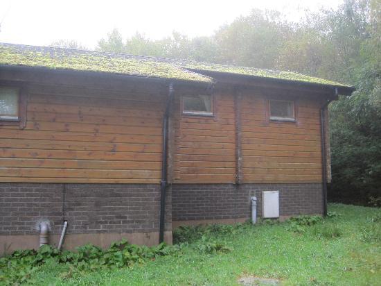 พอร์ทโซนาชัน โฮเต็ล แอนด์ ลอดจ์ ออน ลอชออว์: Rear of lodge