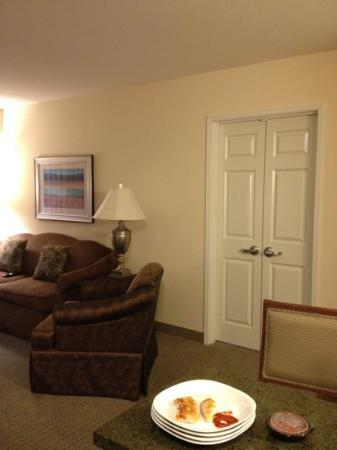 Staybridge Suites Seattle North-Everett: living room and door to second room