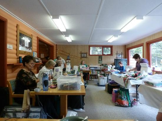 Idabel Lake Resort: Our sewing room set up in the games room