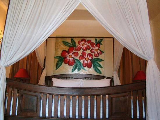 Shewe Wana Suite Resort: Bed