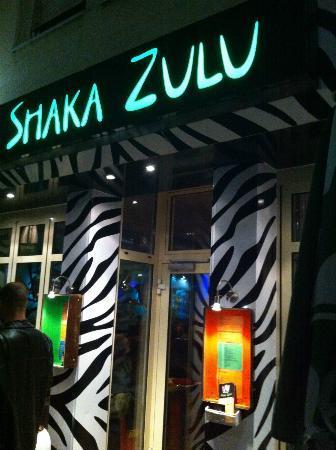 Shaka Zulu Southern African Restaurant: Eingang