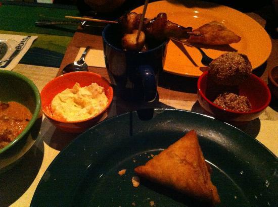 Shaka Zulu Southern African Restaurant: 1. Gang