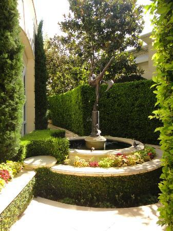 Delightful The Peninsula Beverly Hills: Inner Garden