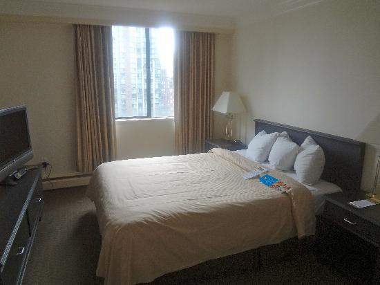Century Plaza Hotel & Spa : Separate bedroom