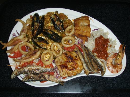 Taka Taka Mam: I reccomend the mixed fish plate