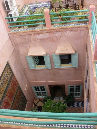 Riad Souika : Looking down to the central courtyard from the roof area