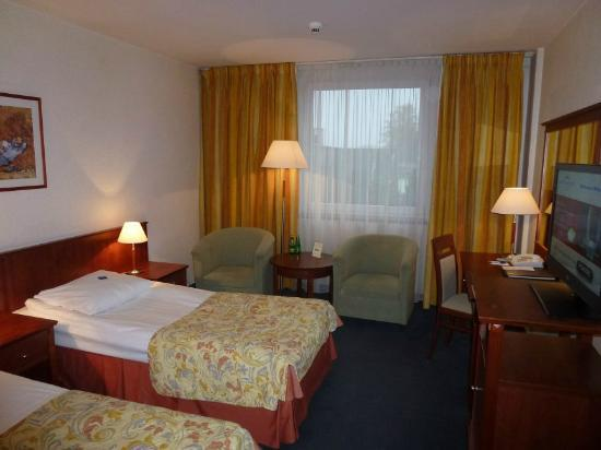Airport Hotel Okecie : twin room
