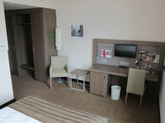 IntercityHotel Mannheim: Room