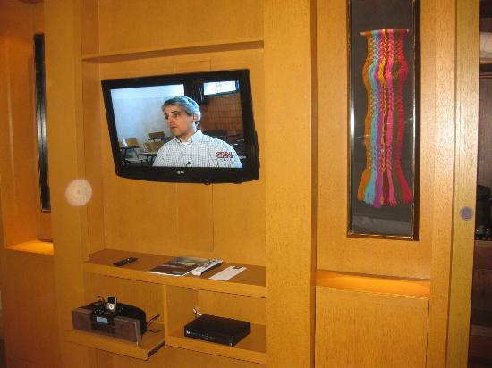TV Cuarto - Picture of Tambo del Inka, a Luxury Collection ...