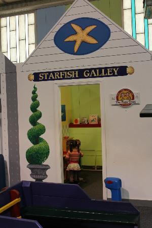 Cape Cod Children's Museum: Playhouse