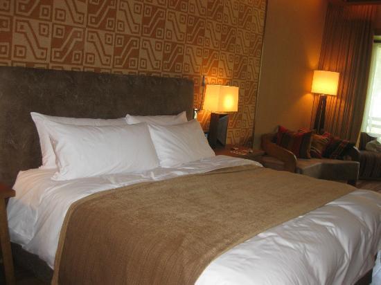 TV Cuarto - Picture of Tambo del Inka, a Luxury Collection Resort ...