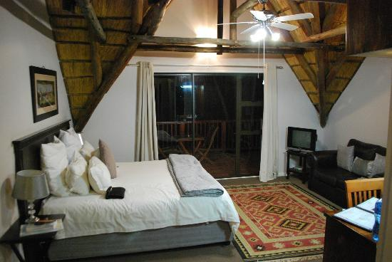 Crawford's Beach Lodge: room