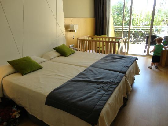 Protur Sa Coma Playa Hotel & Spa: Our Room (014)