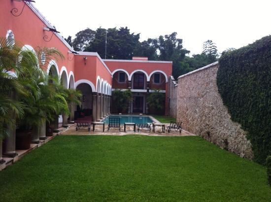 هوتل هاسيندا ميريدا: patio 