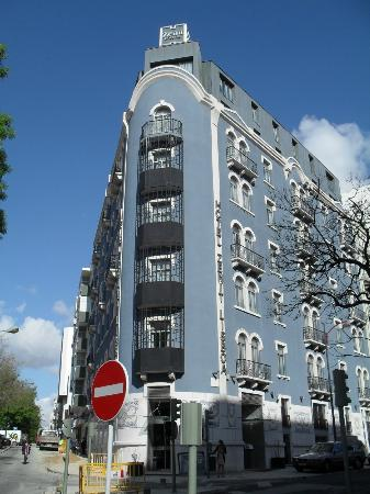 Zenit Lisboa: Zenit Hotel is 5 minutes walk from Saldanha Metro Station