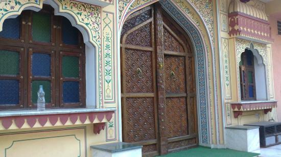 Hotel Baba Haveli: L'entrata dell'hotel