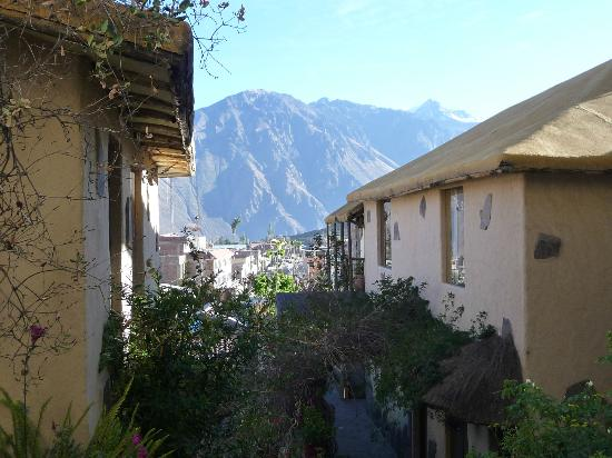 Hotel Kunturwassi Colca: grounds and views