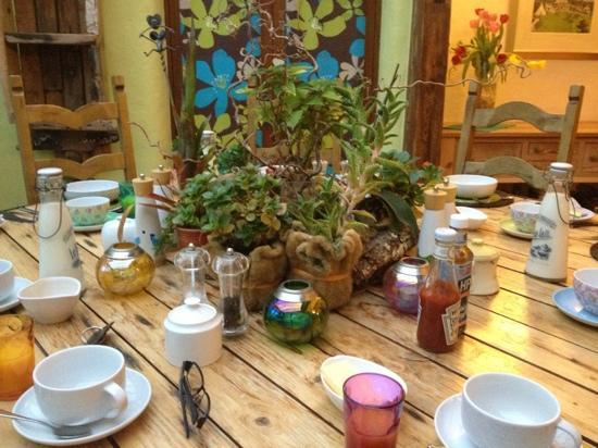Lower Barns Boutique B&B: breakfast table