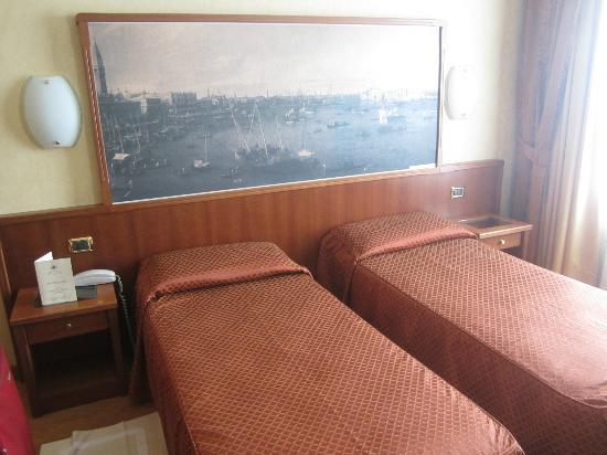 Hotel President: habotacion