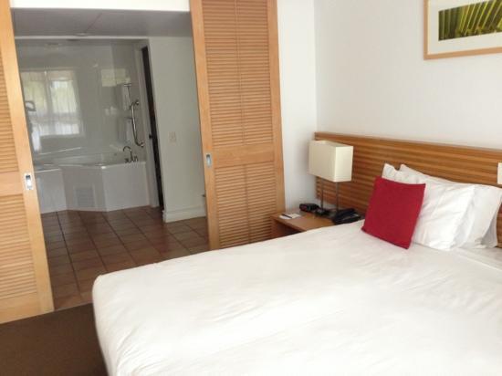 Novotel Twin Waters Resort: lagoon room from corner (balcony behind me)