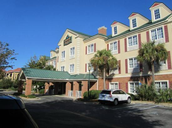 BEST WESTERN Sugar Sands Inn & Suites: Front view