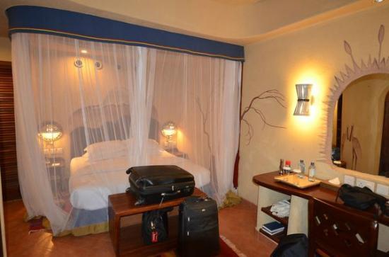 Amboseli Serena Safari Lodge: chambre