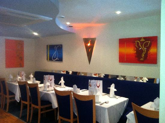 Shah Jahan Indian Restaurant: Traditional Indian cuisine in a modern vibrant setting