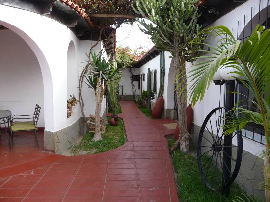 Hotel Don Agucho: hotel grounds